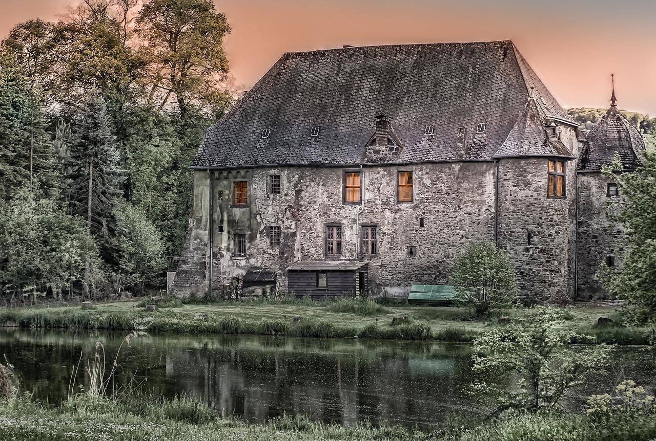 dům velký